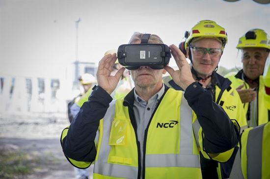Arnt Vidvei Head of HR Operations opplever Valle Wood i VR NCC